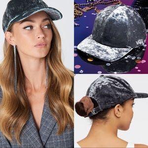 🆕Vans❄️Glazier Grey Crushed Velvet Baseball Cap